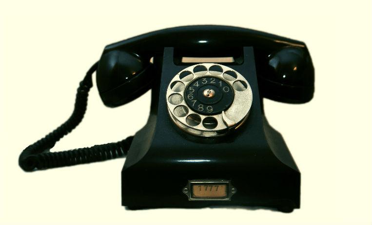 ¿Cómo Se Usa Un Teléfono De Disco? Este Video De 1954