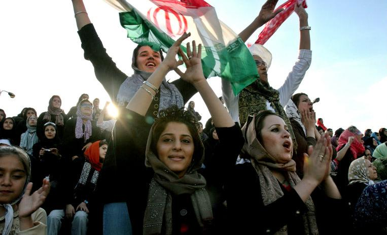 http://de10.com.mx/sites/default/files/styles/detalle_nota/public/2018/06/20/mujeres_iran_mundial_rusia_p.jpg
