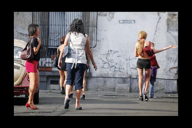 sinonimos de denominar subasta prostitutas