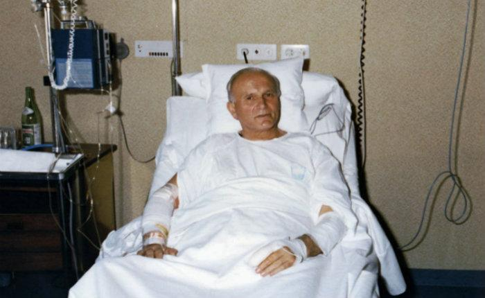 papa, Juan Pablo II, hospitalizado, atentado,