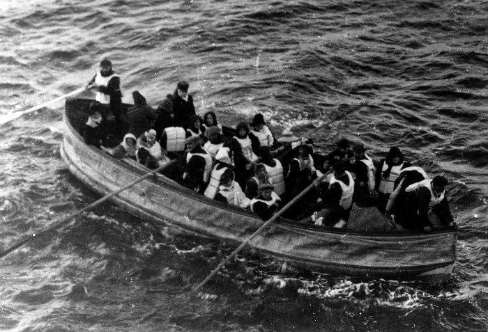 titanic, hundimiento del titanic, fantasmas del titanic, leyendas del titanic, salvavidas titanic