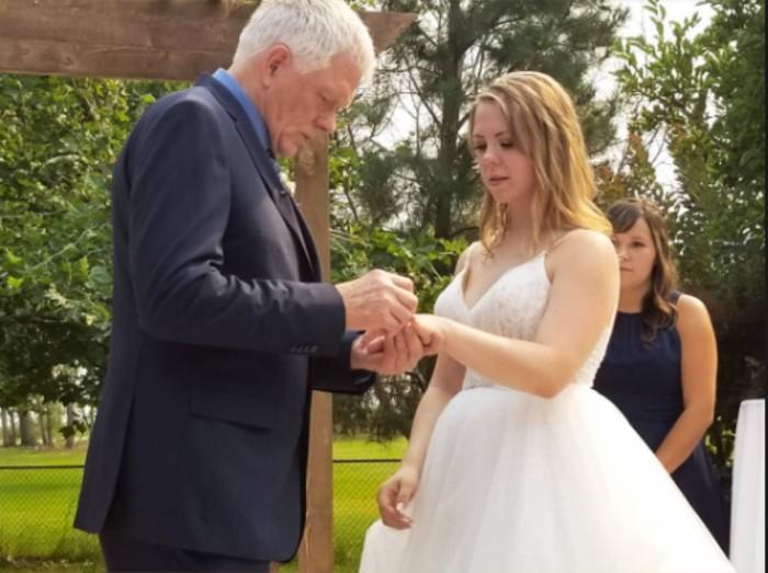 Sugar Daddy o amor Mujer presume a su pareja 45 años mayor que ella
